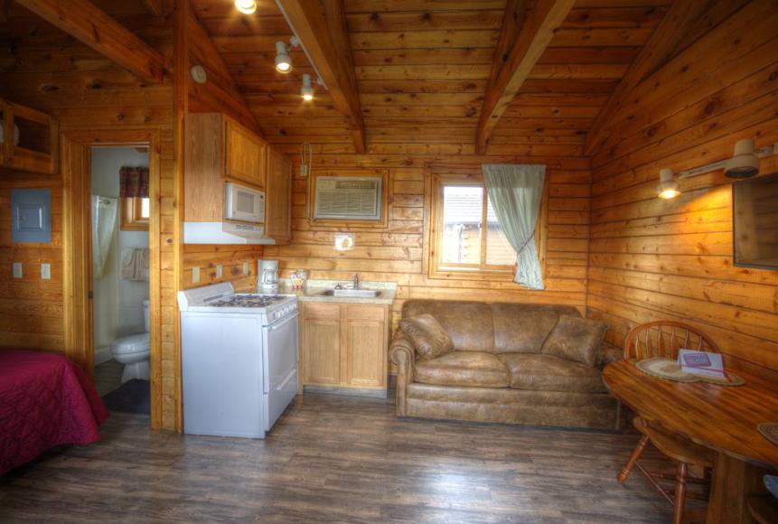 Small Cabin Rental Hart Ranch